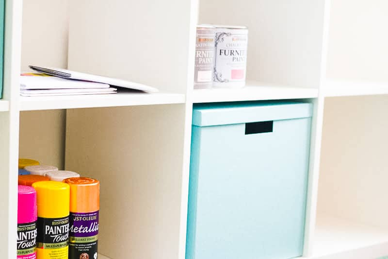 MINIMAL OFFICE Minimalism home tidying clear out anxiety-4