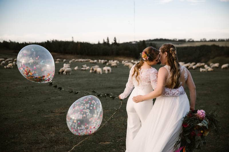 PLAYFUL & ROMANTIC KATY PERRY INSPIRED WEDDING WITH COLORFUL BALLOON ARCH (17)
