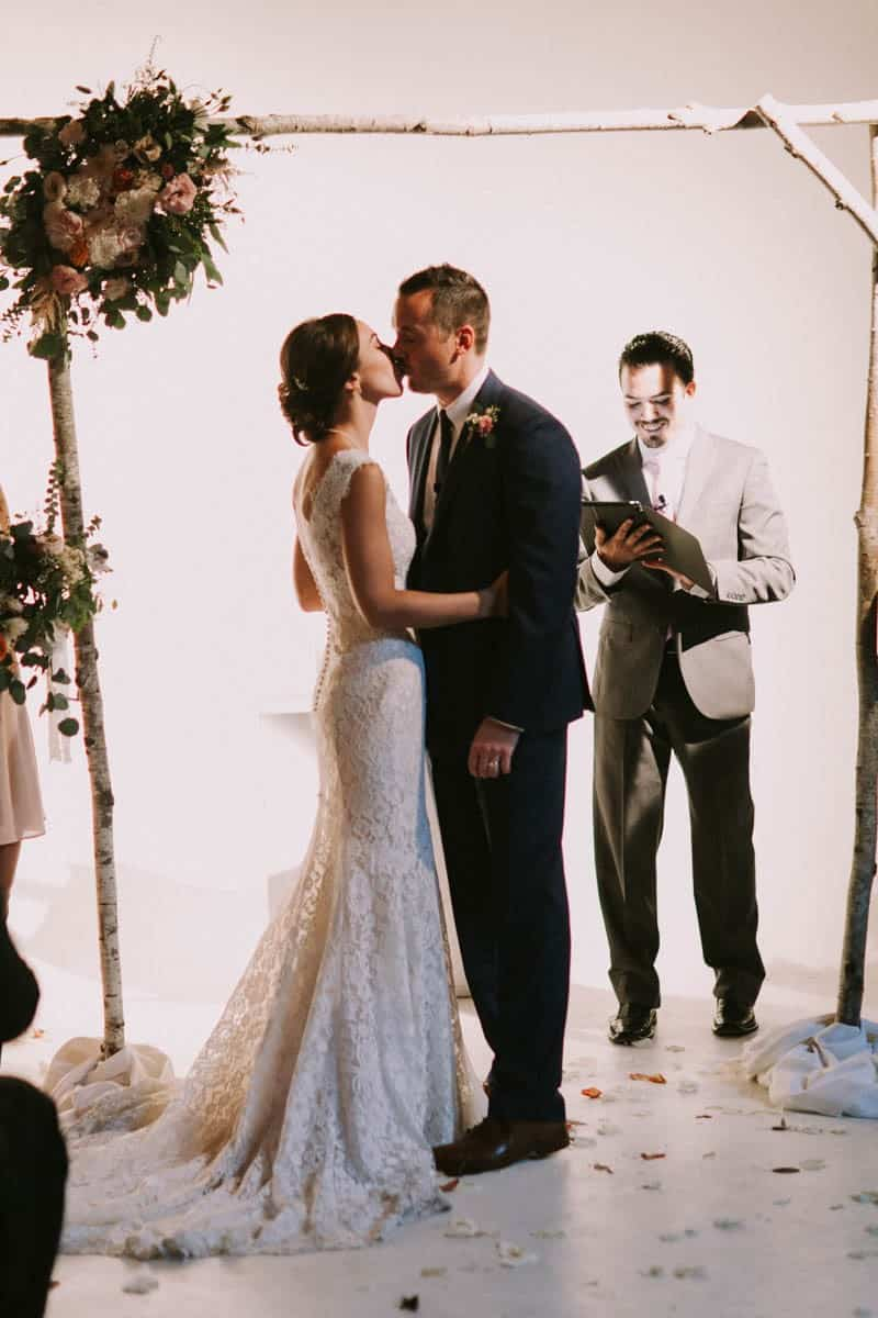 A PERSONALIZED & RUSTIC WEDDING IN A DOWNTOWN PHOENIX ART GALLERY (12)