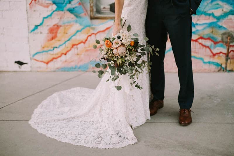A PERSONALIZED & RUSTIC WEDDING IN A DOWNTOWN PHOENIX ART GALLERY (14)