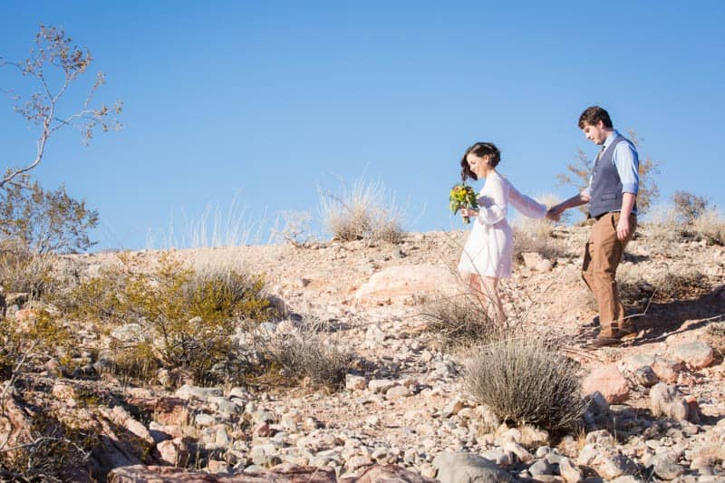 INTIMATE-DESERT-WEDDING-AT-RED-ROCK-CANYON-LAS-VEGAS (13)