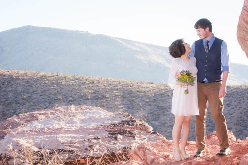INTIMATE-DESERT-WEDDING-AT-RED-ROCK-CANYON-LAS-VEGAS (15)