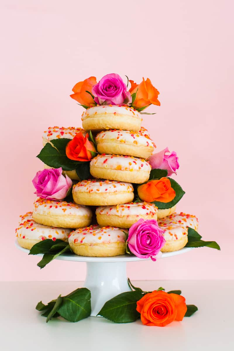 Donut Wedding Cake DIY How to make your own cheap wedding cake doughnuts wedding cake trend-2