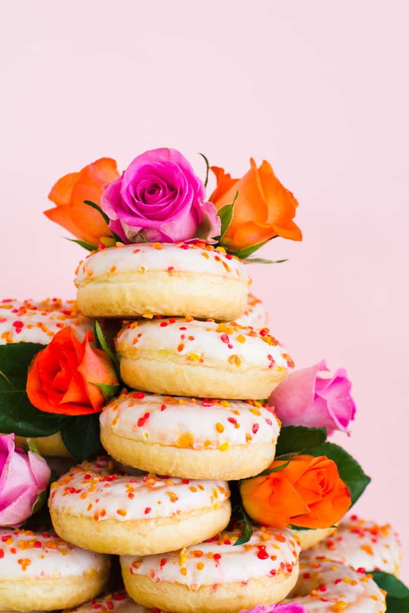 Donut Wedding Cake DIY How to make your own cheap wedding cake doughnuts wedding cake trend-3
