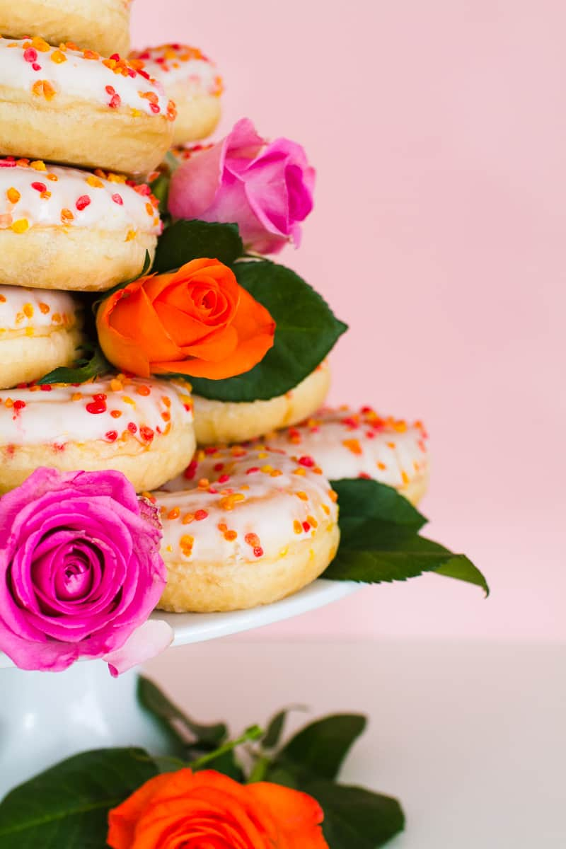 Donut Wedding Cake DIY How to make your own cheap wedding cake doughnuts wedding cake trend-4