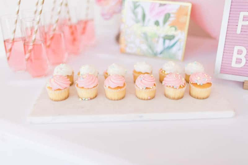 UNIQUE PHOTO BOOTH STYLING IDEAS FOR A WEDDING BACHELORETTE OR HEN PARTY (1)