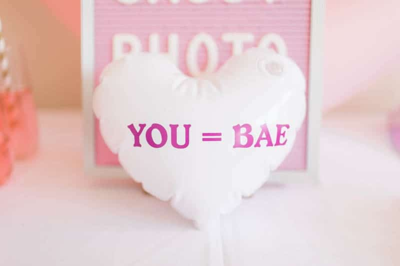 UNIQUE PHOTO BOOTH STYLING IDEAS FOR A WEDDING BACHELORETTE OR HEN PARTY (5)