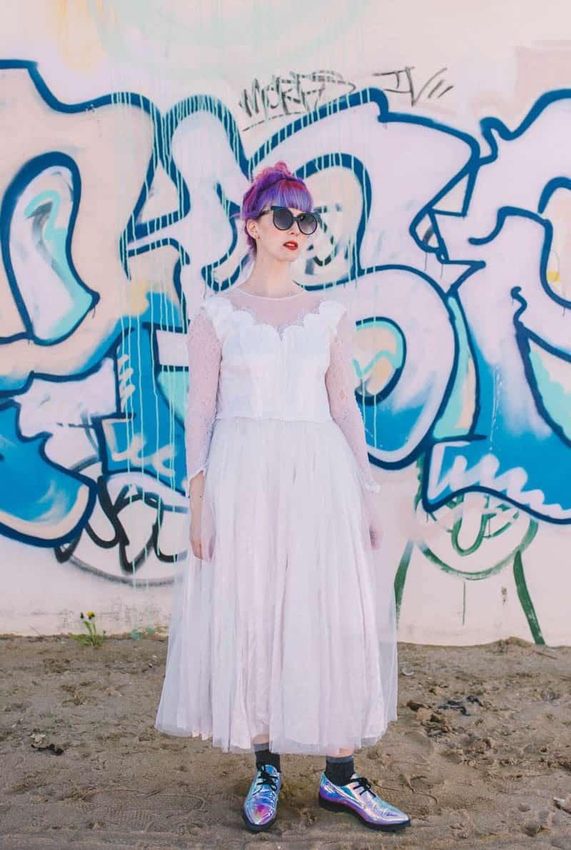 ALTERNATIVE UNIQUE ROCK N ROLL WEDDING DRESSES FOR BAD ASS BRIDES (22)