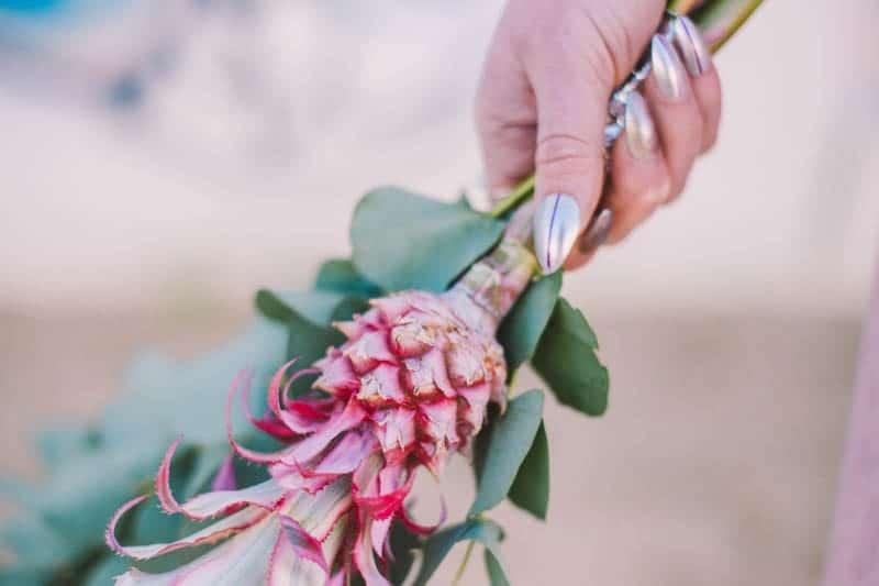ALTERNATIVE UNIQUE ROCK N ROLL WEDDING DRESSES FOR BAD ASS BRIDES (38)