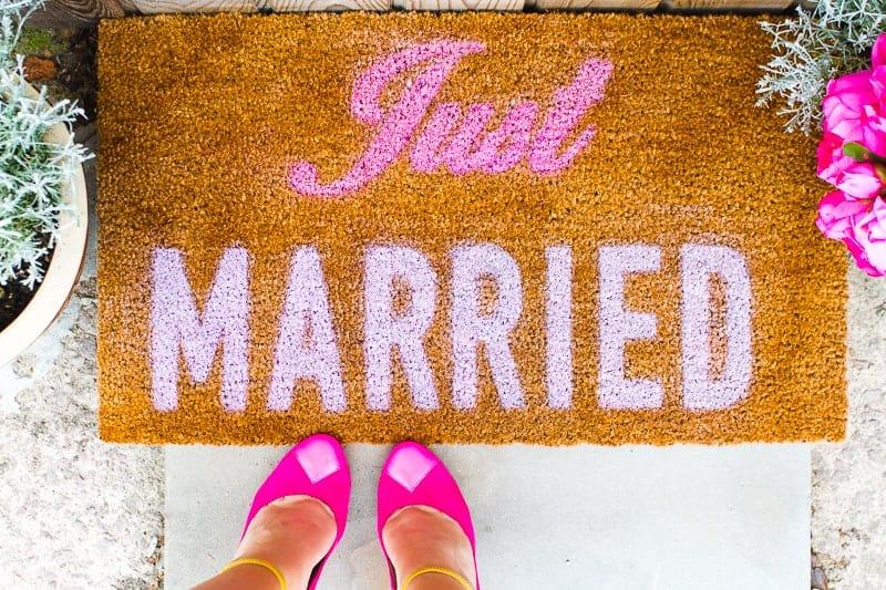 DIY Just Married Door Mat Spray Paint Rustoleum Cricut Newlywed Project Tutorial-3