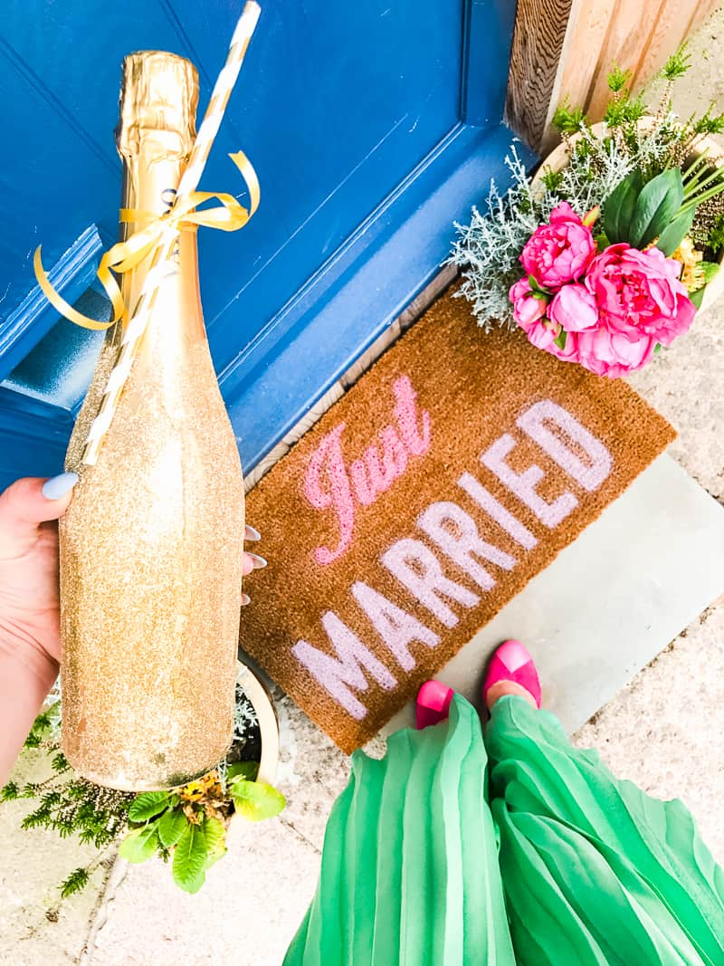 DIY Just Married Door Mat Spray Paint Rustoleum Cricut Newlywed Project Tutorial-6