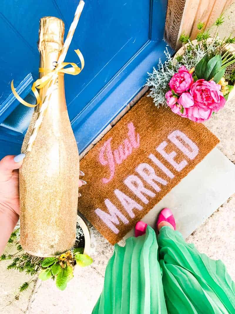 DIY Just Married Door Mat Spray Paint Rustoleum Cricut Newlywed Project Tutorial-6
