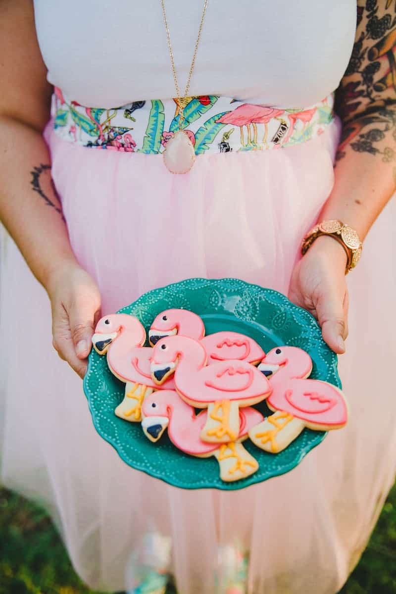FLAMINGO THEMED ELOPEMENTS IDEAS IN A VINTAGE AIRBNB CAMPERVAN (26)