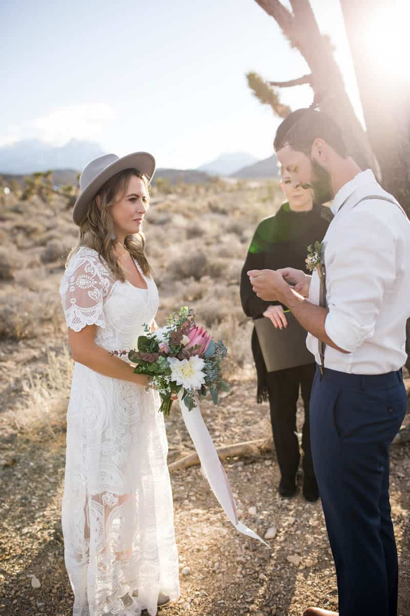10 THINGS TO CONSIDER WHEN ELOPING