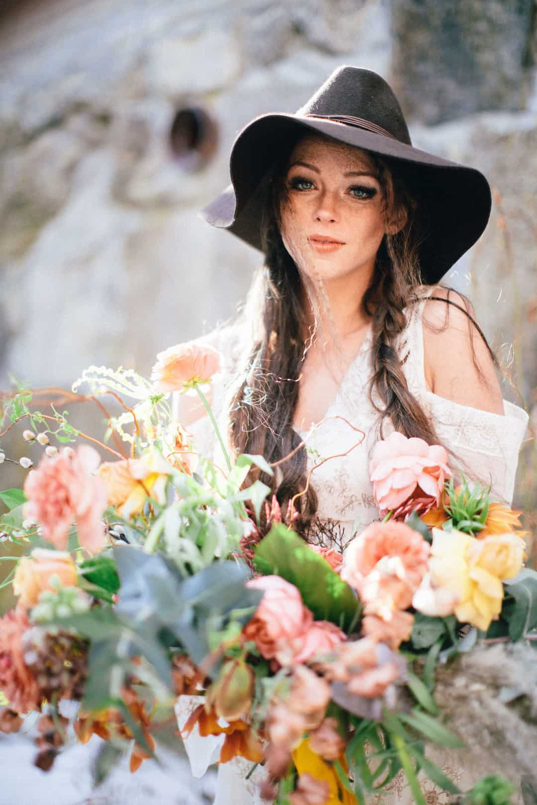 Babes Free boho wedding ideas for a gypsy or hippie theme wedding