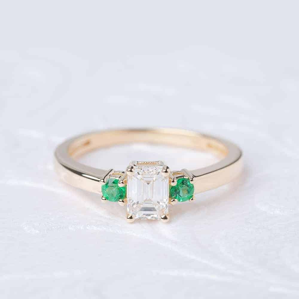 12 MULTI STONE ENGAGEMENT RINGS   Bespoke-Bride: Wedding Blog - photo#24