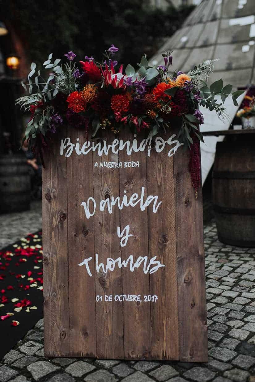 BLACK DIA DE LOS MUERTOS WEDDING IN BERLIN WITH FREE WEDDING CEREMONY IN OLD CIRCUS TENT