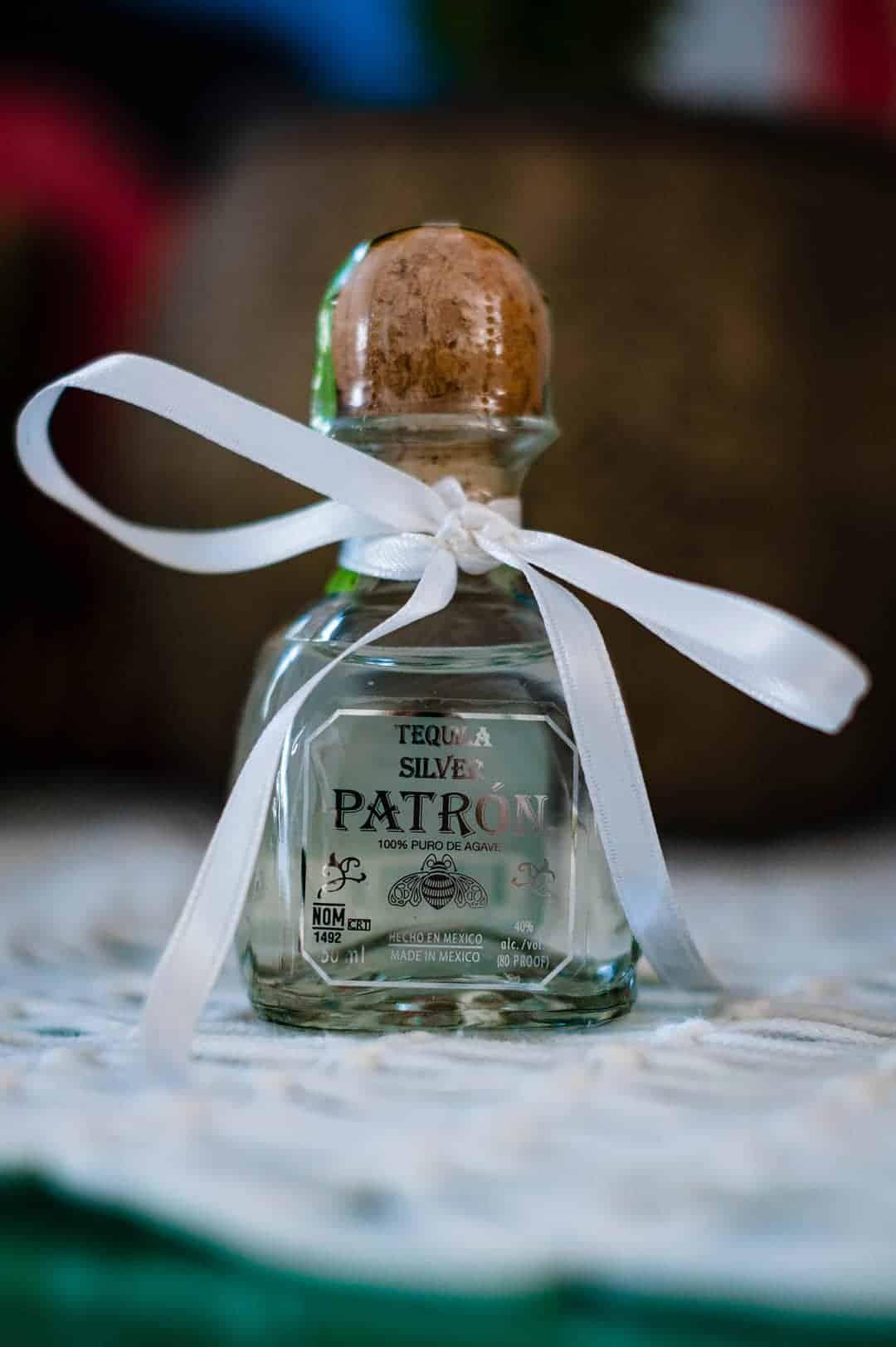 BEAUTIFUL WEDDING INSPIRATION FOR COUPLES WHO WANT TO CELEBRATE THEIR SPANISH CULTURE 2 - Ý TƯỞNG ĐÁM CƯỚI CHỦ ĐỀ TÂY BAN NHA |  Bespoke-Bride: Wedding Blog