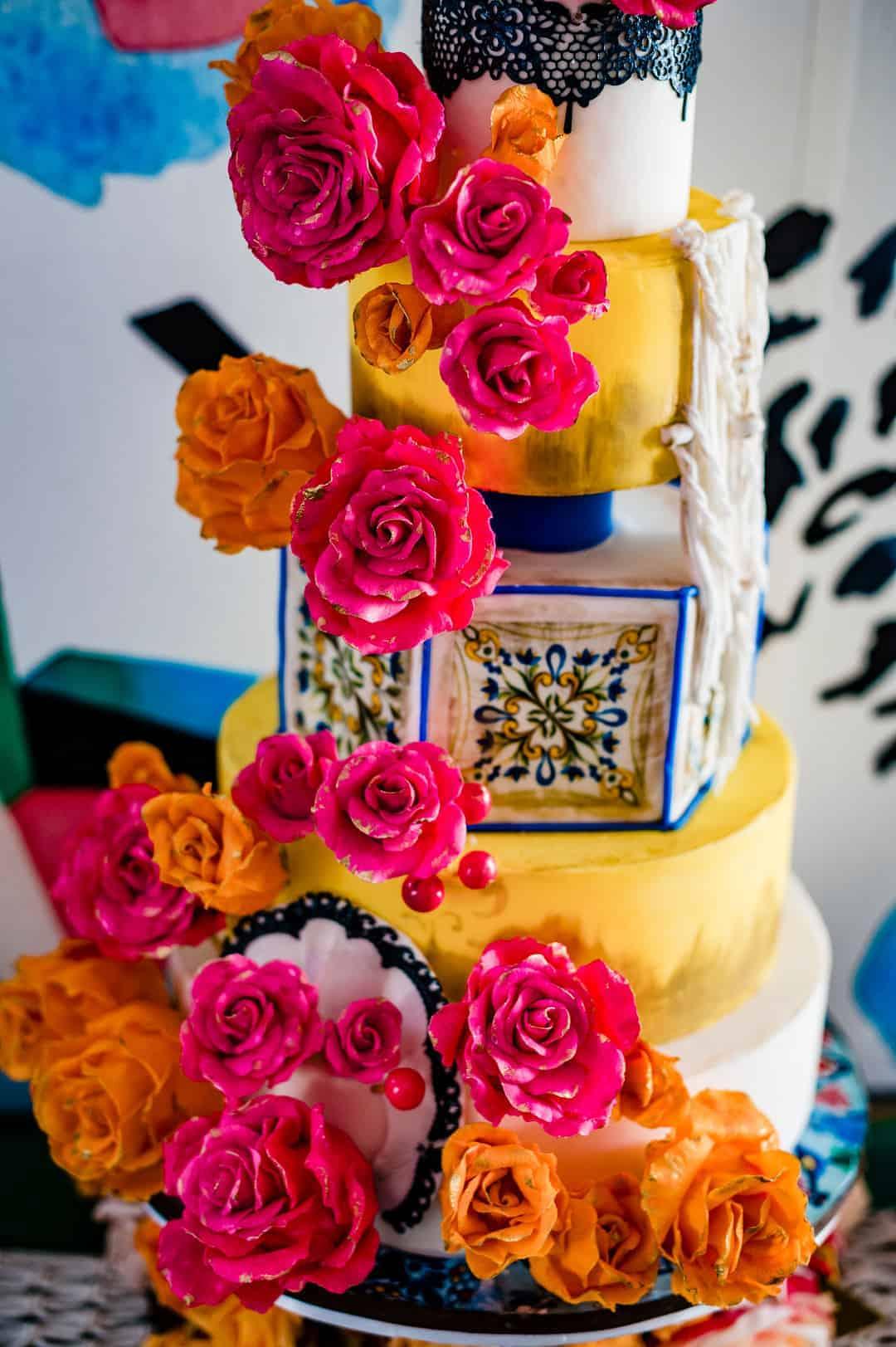 BEAUTIFUL WEDDING INSPIRATION FOR COUPLES WHO WANT TO CELEBRATE THEIR SPANISH CULTURE 3 - Ý TƯỞNG ĐÁM CƯỚI CHỦ ĐỀ TÂY BAN NHA |  Bespoke-Bride: Wedding Blog