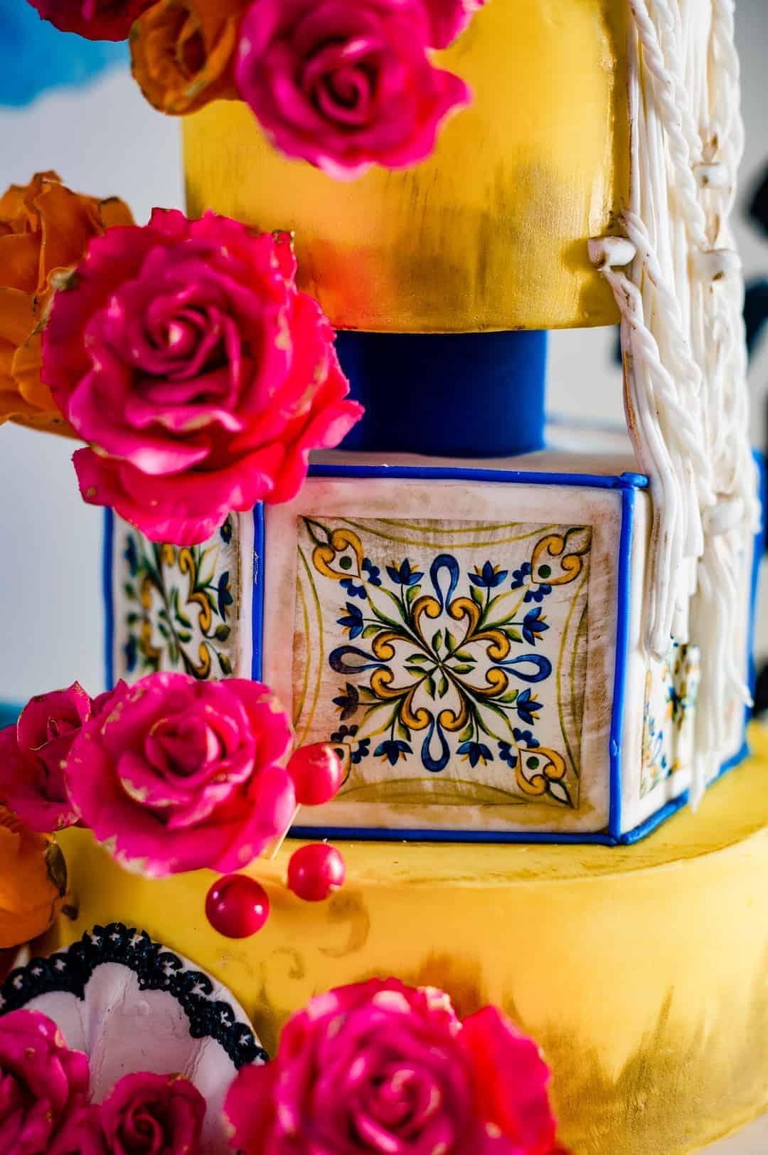 BEAUTIFUL WEDDING INSPIRATION FOR COUPLES WHO WANT TO CELEBRATE THEIR SPANISH CULTURE 4 - Ý TƯỞNG ĐÁM CƯỚI CHỦ ĐỀ TÂY BAN NHA |  Bespoke-Bride: Wedding Blog